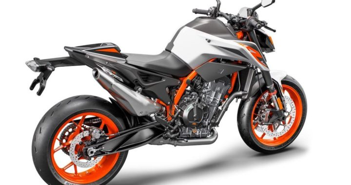 First Ride Review: 2020 KTM 890 Duke R