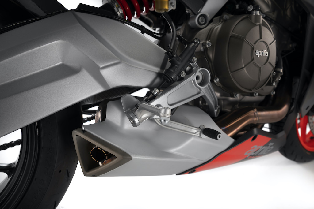 2021-aprilia-rs-660-exhaust