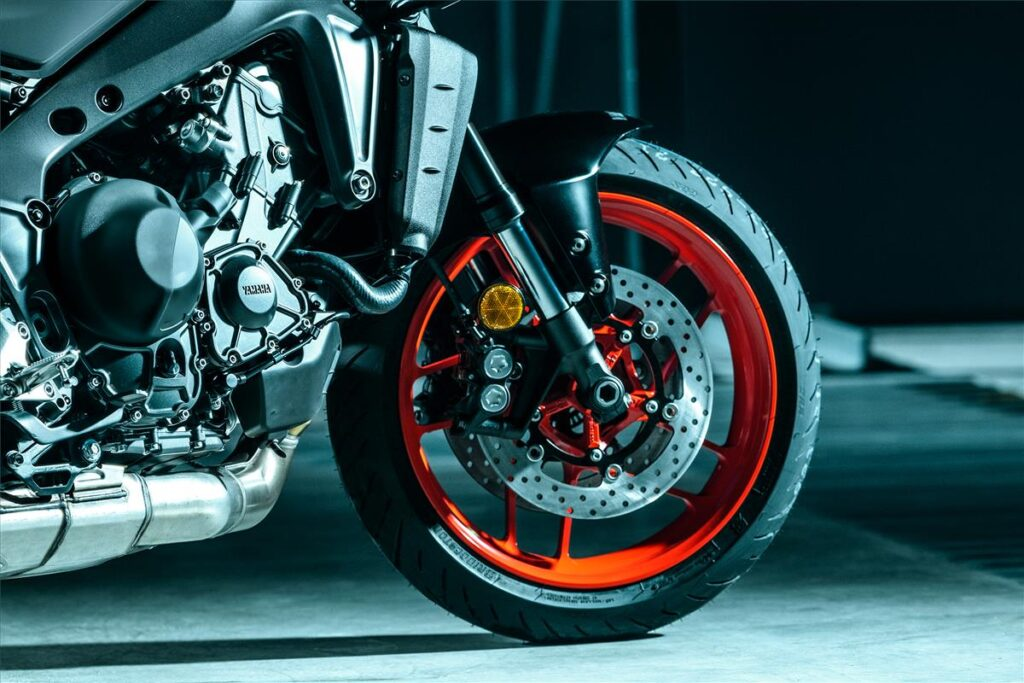 Yamaha-2021-MT-09-brakes