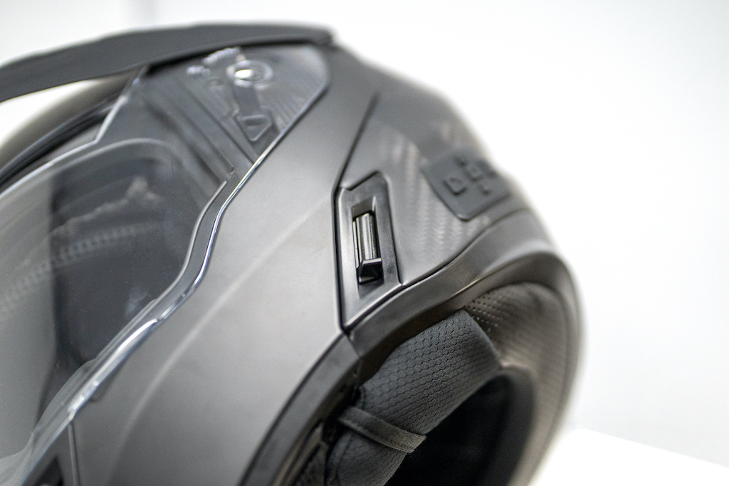 Quest modular helmet bluetooth