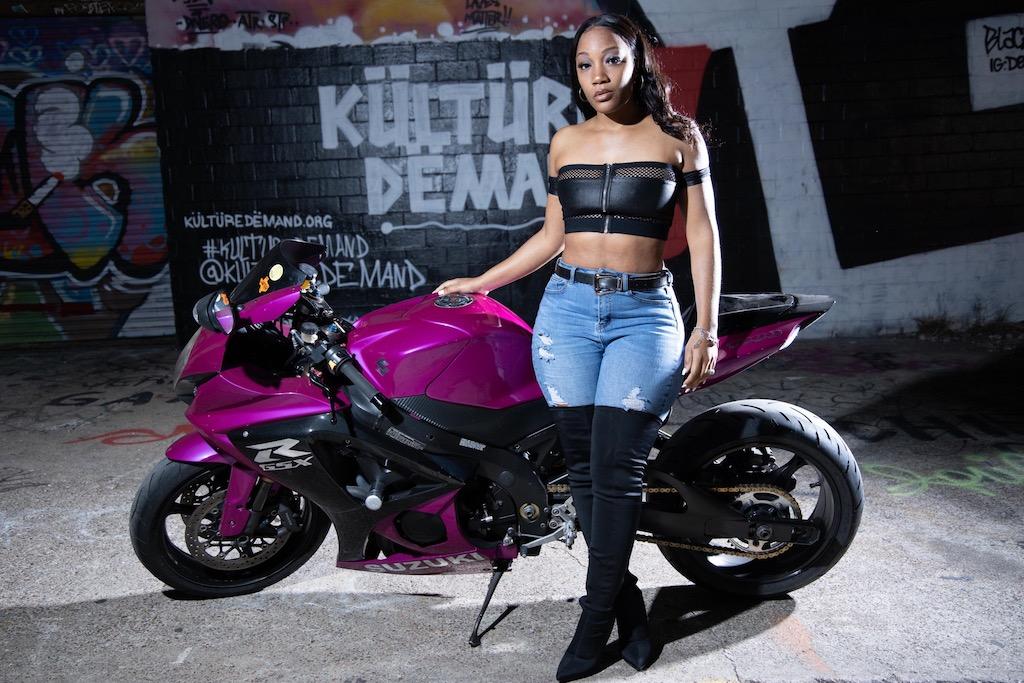 featured rider Jessica denise